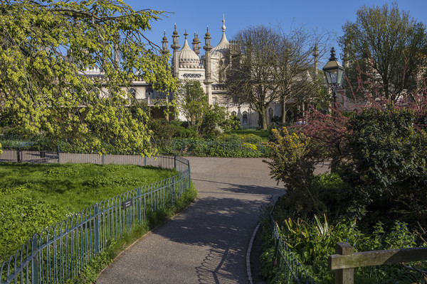 Royal Pavilion in Brighton Canvas print by Chris Dorney