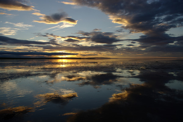 Sunset at Lindisfarne, Holy Island Canvas Print by alan Barnes
