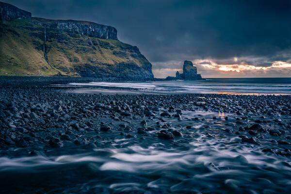 Talisker Bay Isle of Skye Canvas Print by John Frid