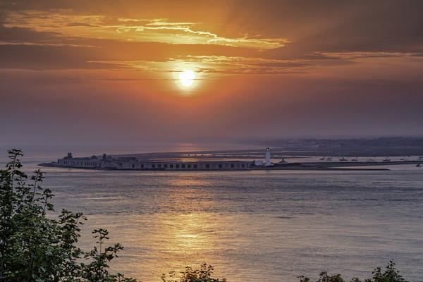 Sunset at Hurst Point Castle lighthouse Print by james marsden