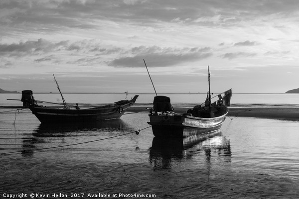 Boats on Sanamwan beach, Thailand Canvas Print by Kevin Hellon
