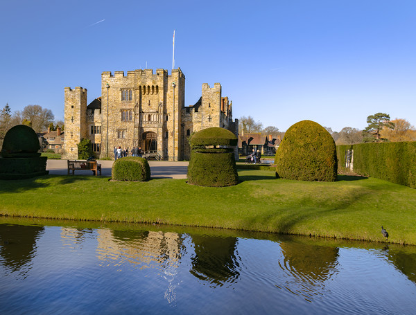 Hever Castle Canvas Print by Dave Williams