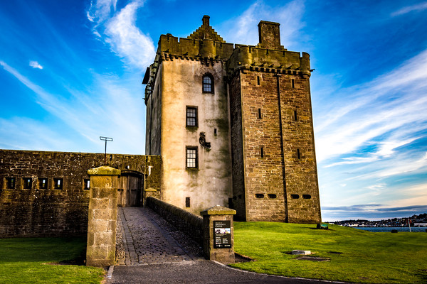 Broughty ferry Castle Canvas print by GORDON CURRIE