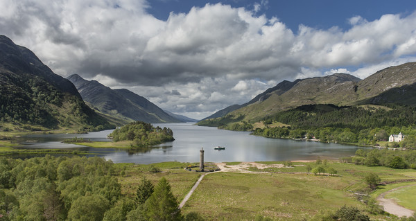 Glenfinnan Monument Canvas print by Andrew Sharpe