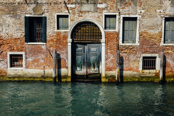 Venetian house on canal Canvas print by Alexandre Rotenberg