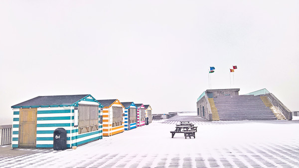 Snow on Hastings Pier Canvas Print by Richard May