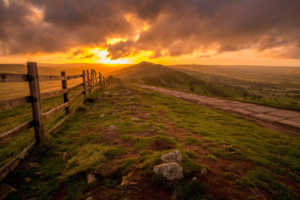 Great Ridge Sunrise Mam Tor, Edale, Peak District Canvas Print by Tim Hill