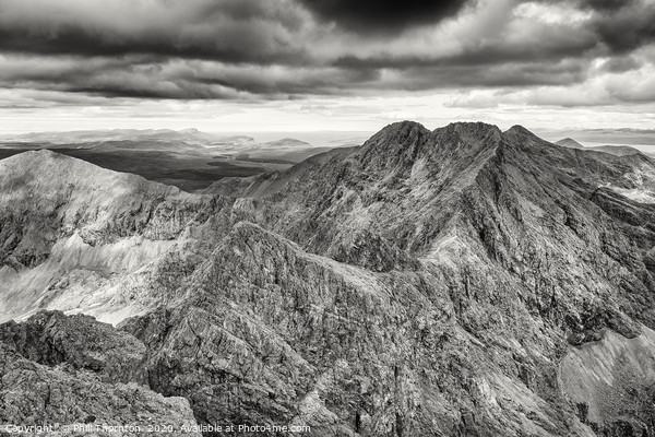 Looking north along the Black Cuillin ridge. Framed Mounted Print by Phill Thornton
