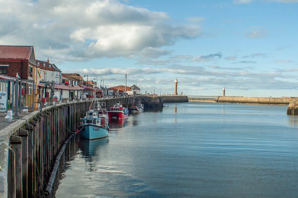 whitby harbour Canvas print by Rob Farrell