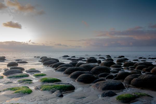 Sunset at Hunstanton Beach Canvas print by Robbie Spencer