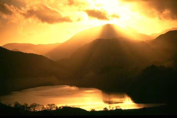Nant Gwnant Sunset Canvas print by Simon Johnson
