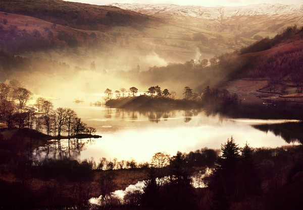 Rydal Water sunrise Canvas print by Simon Johnson
