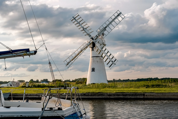 Thurne Mill at Thurne Mouth in the Norfolk Broads Canvas Print by Chris Yaxley
