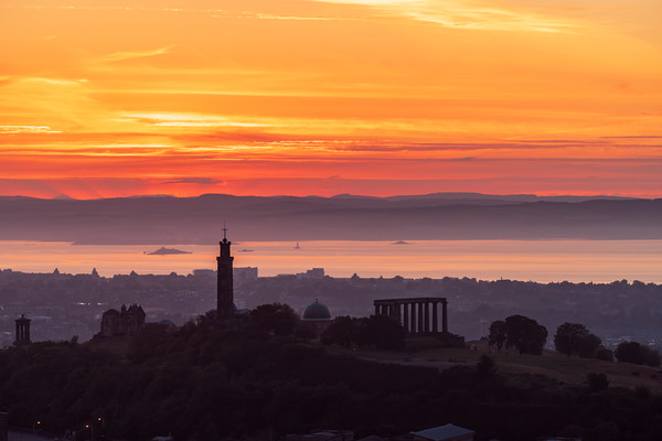 Sunset over Calton Hill Canvas Print by Steven Lennie