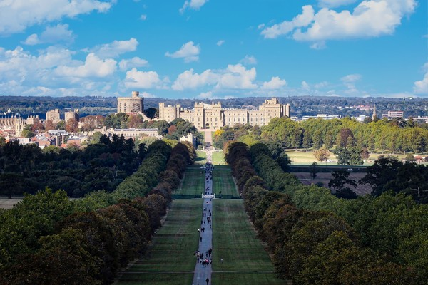 The long walk to Windsor Castle, Berkshire Framed Mounted Print by Simon Marlow