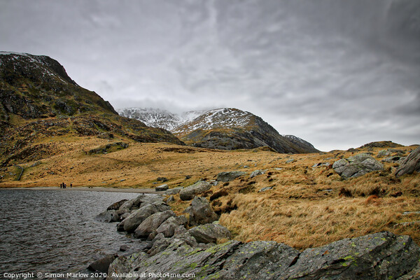Llyn Idwal lake in Snowdonia National Park, Wales Canvas Print by Simon Marlow