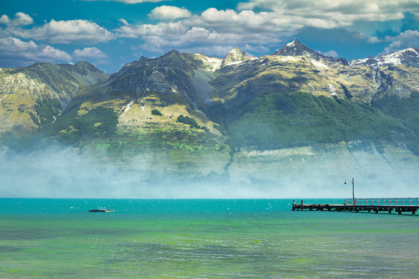 Wakatipu Lake, New Zealand Canvas Print by federico stevanin