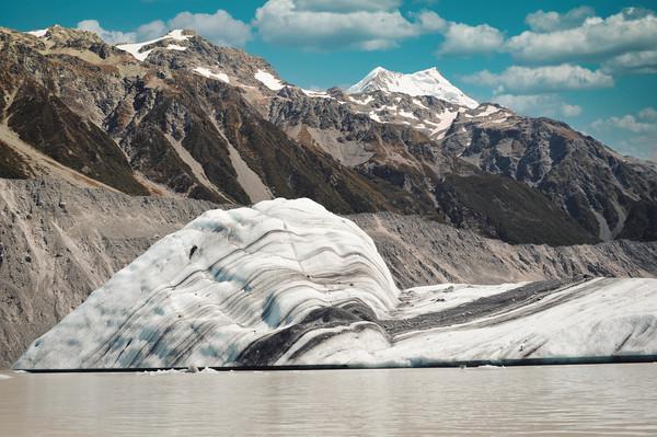 Big iceberg on Mt Cook Tasman Glacier Lake Canvas Print by federico stevanin