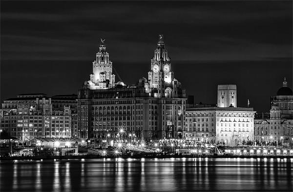 Liverpool at night Canvas print by Wayne Molyneux