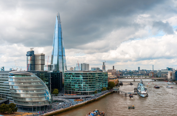 London Skyline with City Hall, Shard and River Tha Print by Pere Sanz