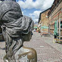 Buy canvas prints of Amy Winehouse Statue  by Raymond Hill