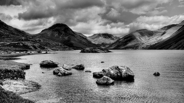 Wastwater  Canvas print by Sarah Couzens