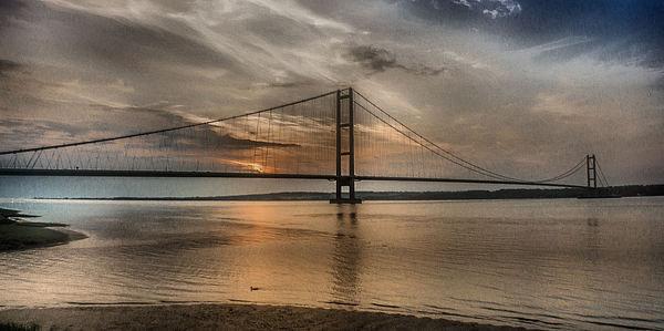 The Humber Bridge at Dusk  2015 Canvas print by Martin Parkinson
