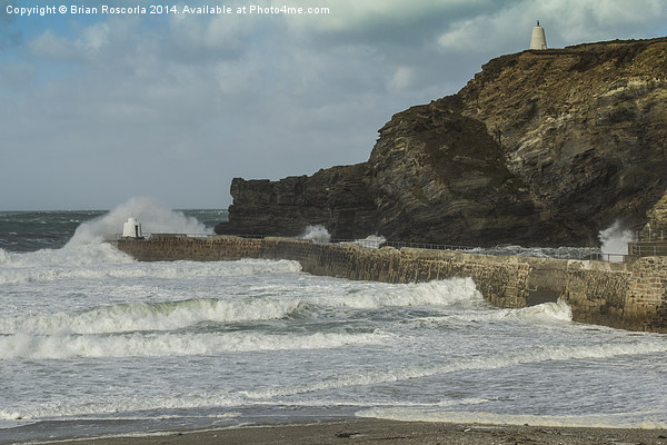 Portreath Harbour Breakwater Canvas print by Brian Roscorla