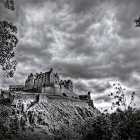 Buy canvas prints of Edinburgh Castle Scotland by Finan Fine Art Prints