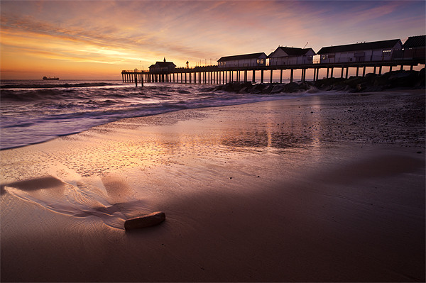 Early Morning Glow over Southwold Canvas print by Stephen Mole