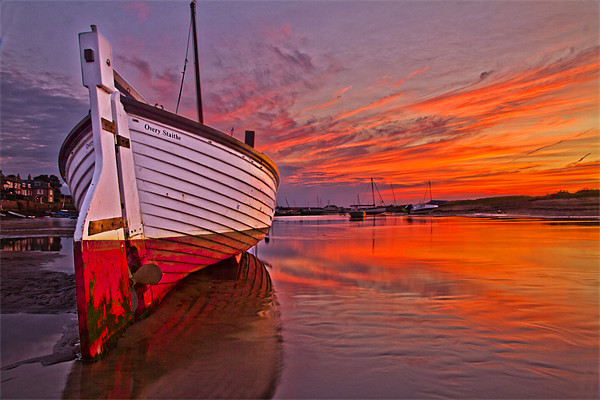 Stranded in Burnham Overy Staithe Canvas print by Paul Macro