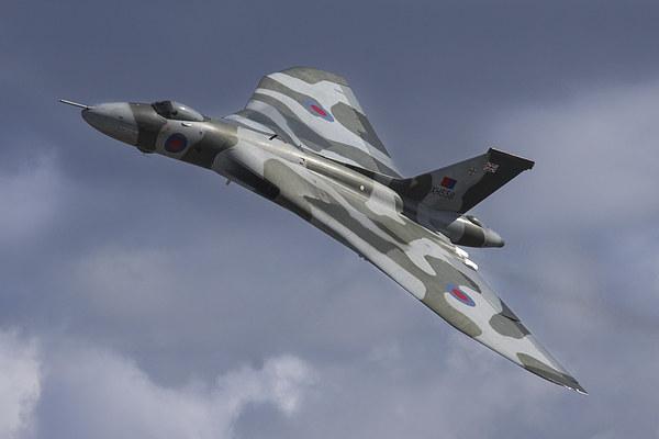 Vulcan Bomber XH558 Flying Canvas Print by Aviation Prints