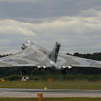 Buy canvas prints of  Vulcan bomber XH558 at Farnborough by Aviation Prints