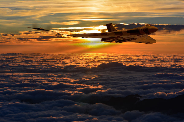 Vulcan bomber sunset 2 Canvas print by Oxon Images