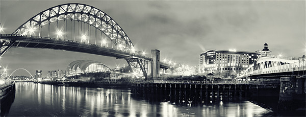 The Sparkling Tyne Canvas print by Toon Photography