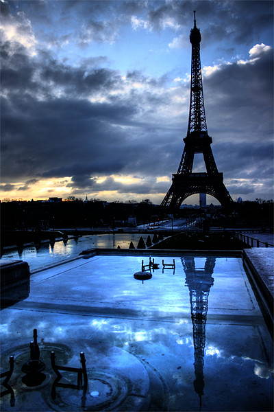 An Eiffel Reflection Canvas print by Toon Photography