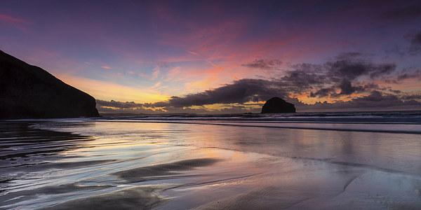 Trebarwith Strand Sunset Canvas print by David Wilkins