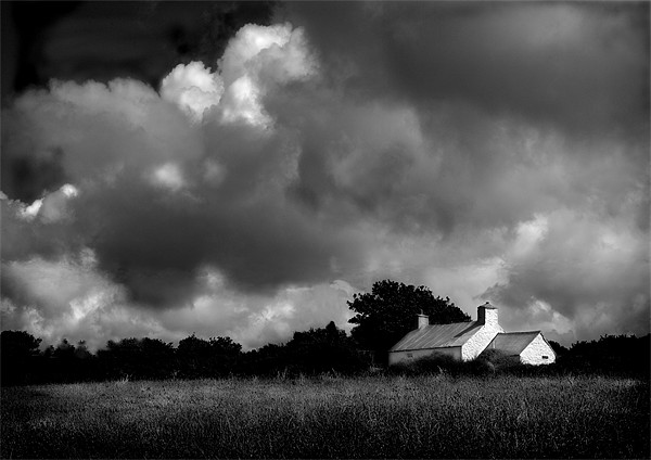 PEMBROKESHIRE COTTAGE (2) Canvas print by Anthony R Dudley (LRPS)