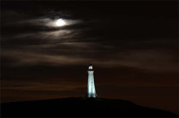 Super Moon & Hoad Monument at Night Canvas Print by Paul Leviston