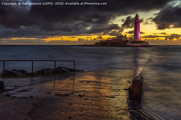 St. Mary's Lighthouse Canvas print by David Lewins (LRPS)