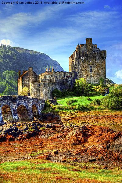 Eilean Donan Castle Canvas print by Ian Jeffrey