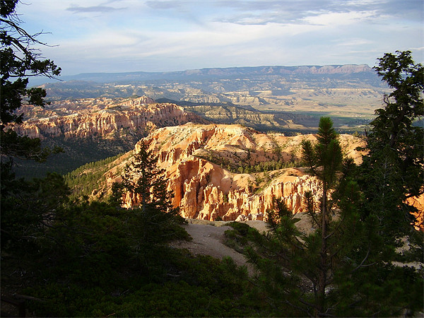 EVENING AT BRYCE CANYON Framed Print by Pauline Green