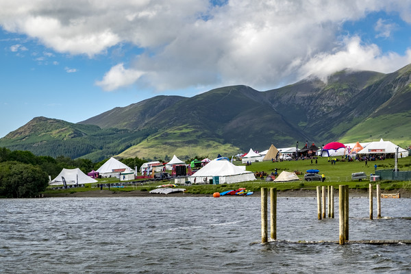 Derwent water Mountain festival Canvas print by Tony Bates