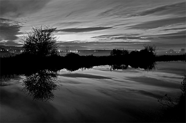 Exeter Canal at twlight Canvas print by Pete Hemington