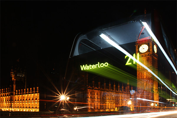 The Waterloo 211 Bus Canvas print by Sandi Cockayne - Dalescapes.