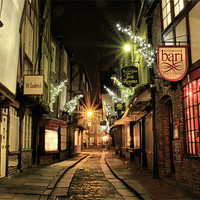 Buy canvas prints of The Shambles, York by Sandi Cockayne - Dalescapes.