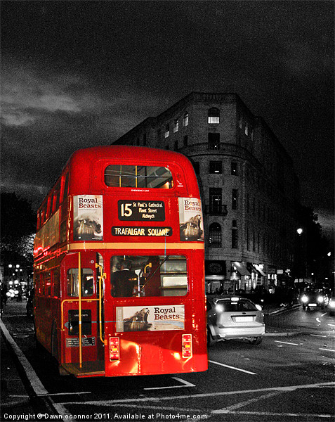 Red London Bus Canvas print by Dawn O'Connor