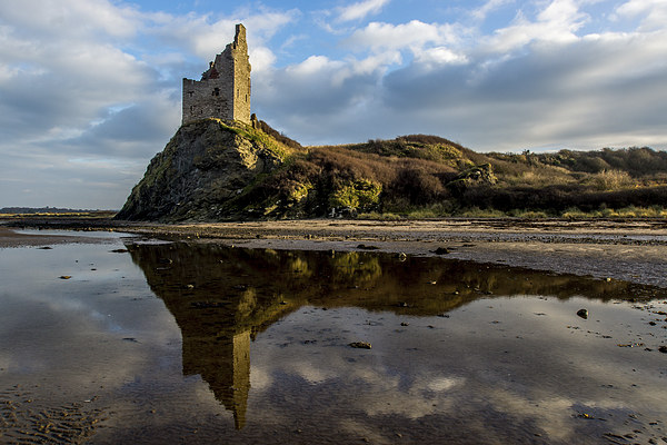 Greenan Castle Canvas print by Sam Smith