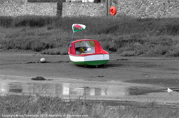 Welsh Boat Canvas print by Ian Tomkinson