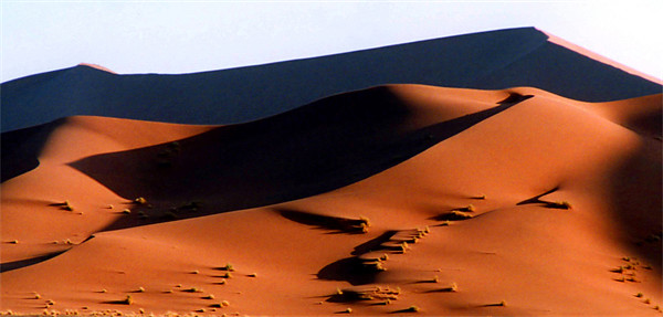 Sand Dunes at Sunset, Sossusvlei, Namibia, Africa Canvas Print by Serena Bowles